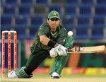 Misbah-ul-Haq plays the reverse-sweep