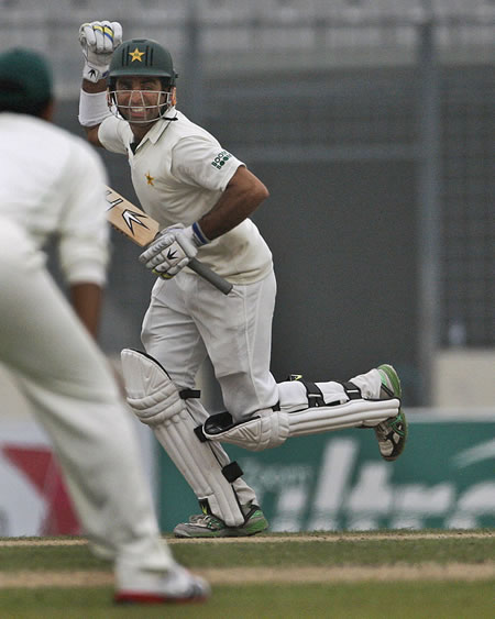 Taufeeq Umar celebrates his century