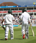 Pakistan openers walk to the middle for 3rd Test at Edgbaston, Pakistan in England and Ireland 2016 tour